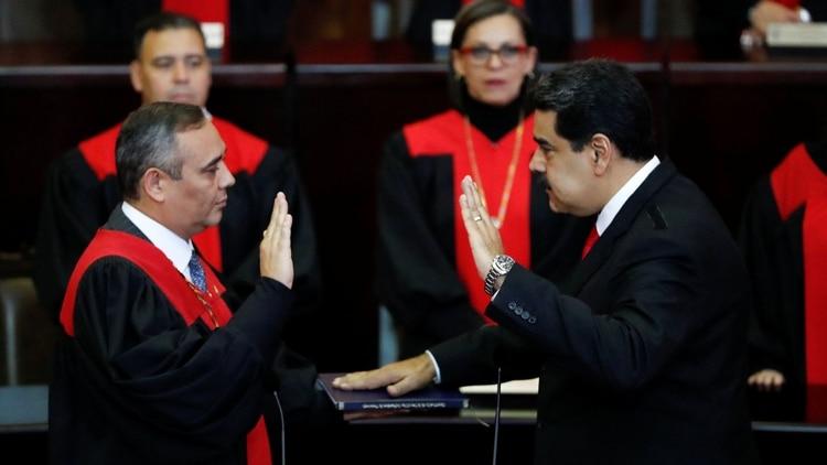 """Dos jóvenes """"se pudren"""" en una cárcel militar, sólo por un roce con la escolta del hijo del presidente del TSJ chavista"""