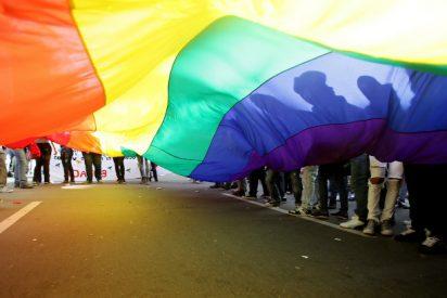 La Comunidad de Madrid sancionará con hasta 45.000 euros a una mujer que ofrece 'curas' a gays