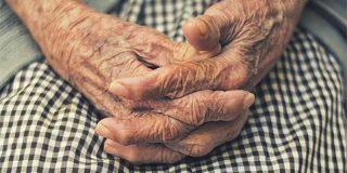 Una abuelita de 67 años recibe un 'don del cielo' y será madre por tercera vez