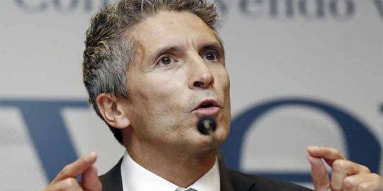 El ministro Marlaska pretende sancionar a instancias de Bildu a un guardia civil por retuitear 'fuera de servicio' contra Sánchez