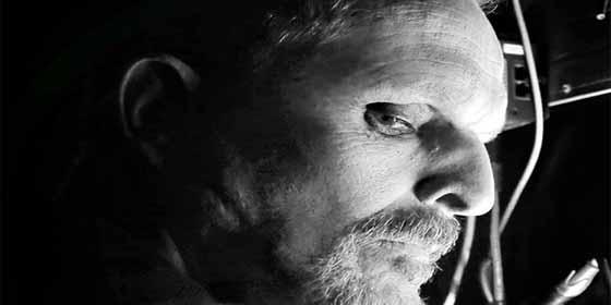 """El vídeo a oscuras de Miguel Bosé que pone los pelos de punta: """"No está. Se fue... -Pa Caracas?"""""""