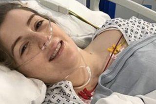 Esta joven se queda parcialmente paralizada tras sufrir un derrame cerebral por estirar el cuello