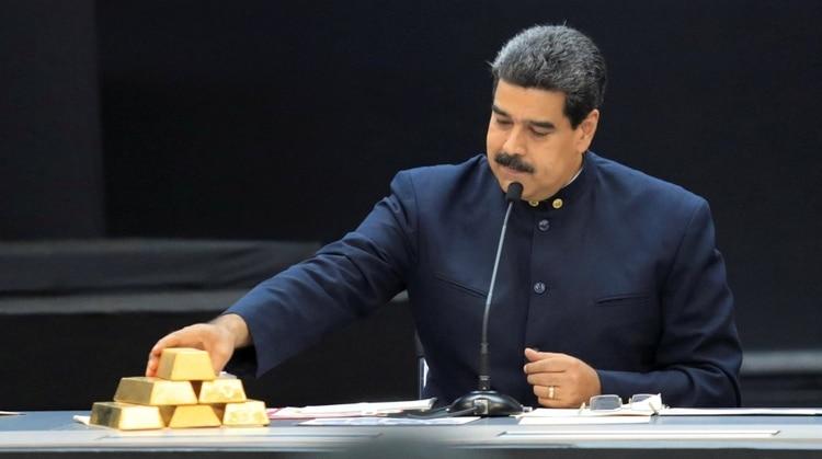 El dictador Nicolás Maduro malbarata el oro venezolano en su afán por esquivar las sanciones