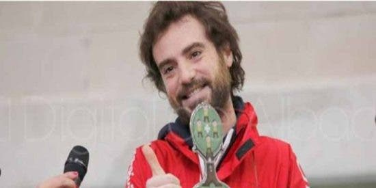 'Capitán Optimista': muere de cáncer el joven pediatra que recetaba sonrisas