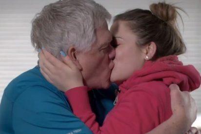 Ella tiene 24 años y él 69: El secreto de su atípico matrimonio es el sexo