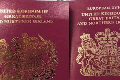 """Brexit: El Reino Unido elimina ya las palabras """"Unión Europea"""" de los pasaportes de sus ciudadanos"""