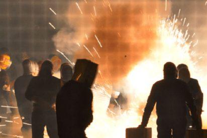 Muere un cámara de televisión en Grecia al explotarle un petardo en la cara