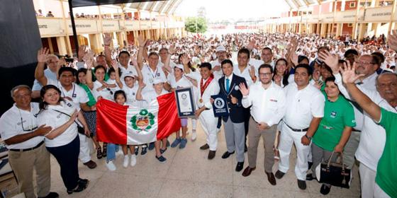 Perú: Ica celebró la degustación de pisco más grande del mundo
