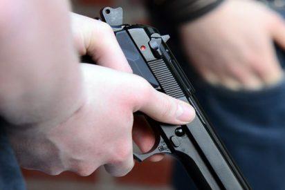 Un estudiante de 6 años lleva el arma cargada de su abuelo a la primaria