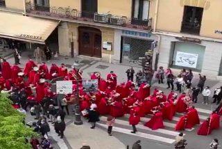 Ultraizquierdistas insultan y agreden a cofradías de Semana Santa que incluían niños