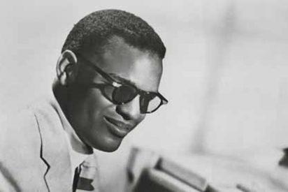 La conmovedora vida de Ray Charles: de una niñez desgraciada a la fortuna y el reconocimiento mundial