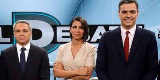 Twitter cruje al 'feminista' Sánchez por ignorar toda la noche a Ana Pastor con una irreverente y machacona coletilla