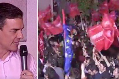 """Los socialistas le piden a gritos a Sánchez en Ferraz que no pacte con Rivera: """"¡No pasarán!"""""""