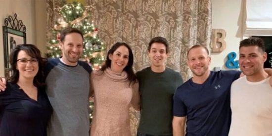 Sorpresa familiar: Fue hija única por 39 años, hasta que descubrió que tenía 30 hermanos