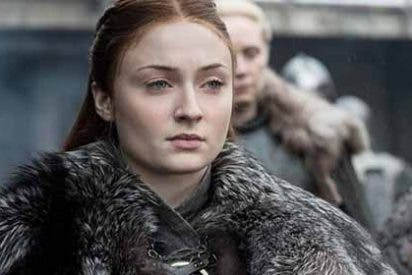 Sophie Turner de Game of Thrones con un microbikini que deja todo a la vista