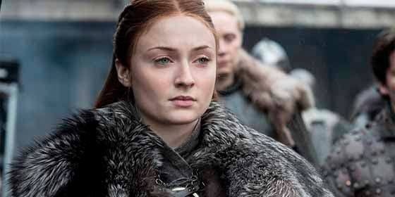 Sophie Turner de Game of Thrones con un microbikini que deja todo a la vista
