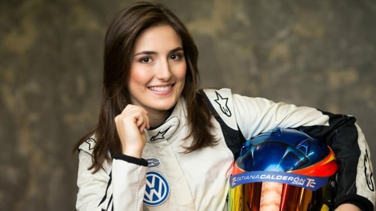 Tatiana Calderón, la primera latinoamericana en subirse a un Fórmula 1
