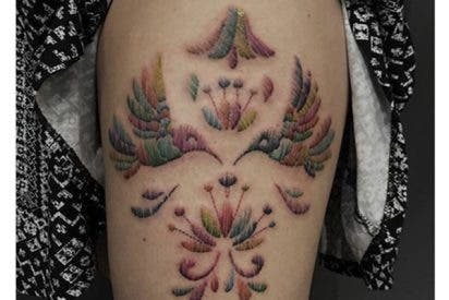 """¿Sabías que los """"tatuajes bordados"""" son tendencia, y son mejores de lo que parecen?"""