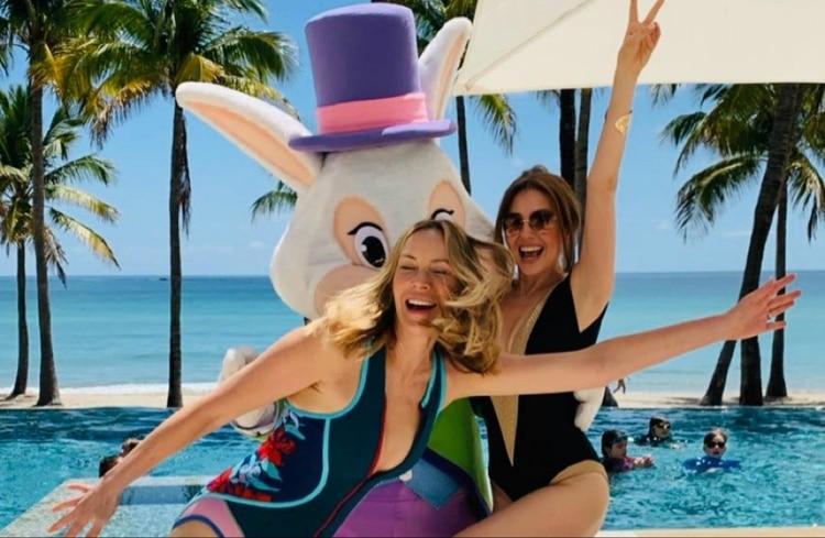 Thalía y la esposa de Tommy Hilfiger celebran Pascua en traje de baño