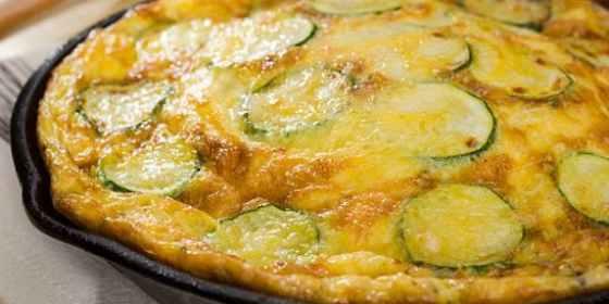 Tortilla de calabacín y queso muy fácil