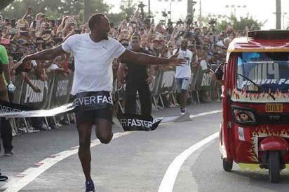 Usain Bolt 'compite' contra una mototaxi en Lima y gana la carrera