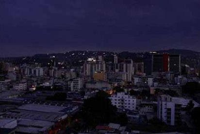 Negligencia chavista: Venezuela está a días de apagarse definitivamente