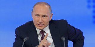 """Vladimir Putin ve """"monstruoso"""" enseñar a los niños que pueden cambiar de género"""