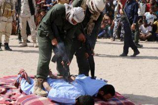 Así ajustician a los pedófilos en Yemen: Una bala en la espalda por violar y asesinar a un niño