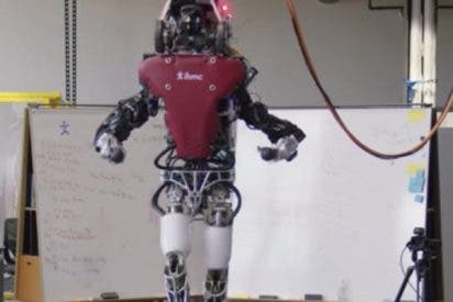 Te presentamos a Atlas: el robot sofisticado que camina sobre terrenos inestables e irregulares