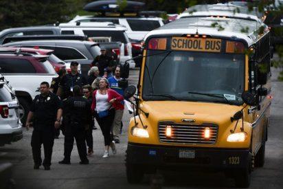 Los aterradores whatsapps de un niño a su madre durante el tiroteo de Denver