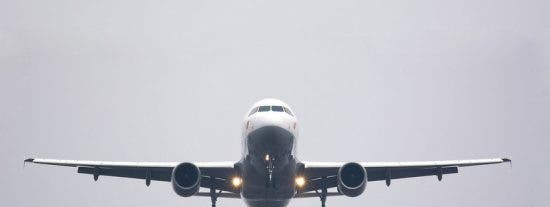 Colombia reanuda vuelos internacionales
