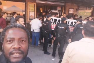 """Bertrand Ndongo (VOX): """"Para que veáis... ¡Luego dicen que nosotros somos los fascistas!"""""""