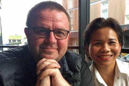 El danes Kristjan Arnason y su esposa, la tailandesa Bunlom.