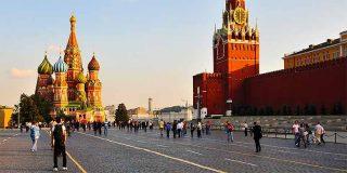 El ondulante pavimento de Moscú (III)