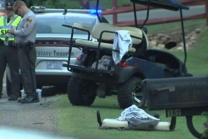 Muere un bebé tras salir expulsado de un carrito de golf