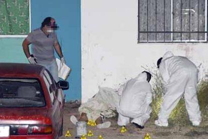 Crimen desbordado: Con 13 tiros acribillan a una mujer en Sinaloa