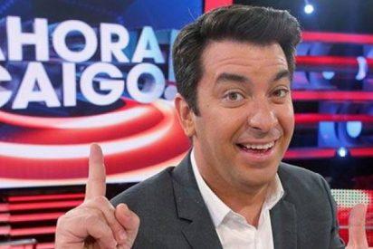 La contundente forma que propone Arturo Valls para abrir una trampilla atascada en 'Ahora Caigo'