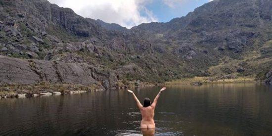 Polémica en Colombia por la mujer que se desnuda en sus reservas naturales