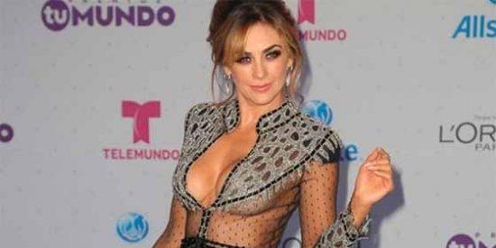 Foto: Desnuda y mojadita... Así posó la mexicana Aracely Arámbula en la bañera