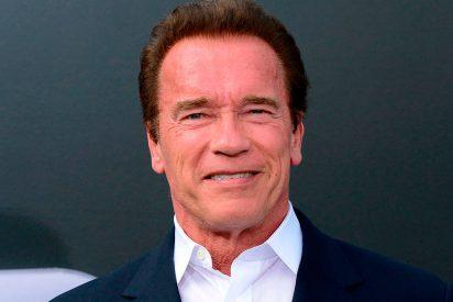 Atacan brutalmente por la espalda a Arnold Schwarzenegger en Sudáfrica (VÍDEO DEL MOMENTO)