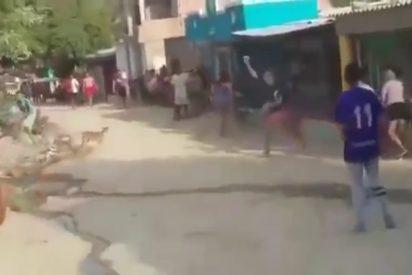 Mujer cambia su clave del wifi y un grupo de personas atacan su vivienda
