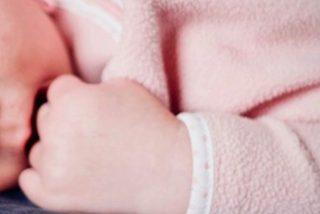 Médicos cortan por error la cara de un bebé durante una cesárea