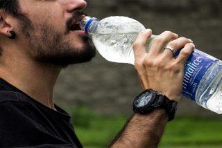 ¿Sabías que las botellas se deben lavar tras cada uso aunque sean recargables?