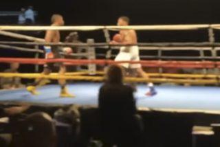 Estos dos boxeadores protagonizan un 'nocaut doble' al golpearse y caer al mismo tiempo