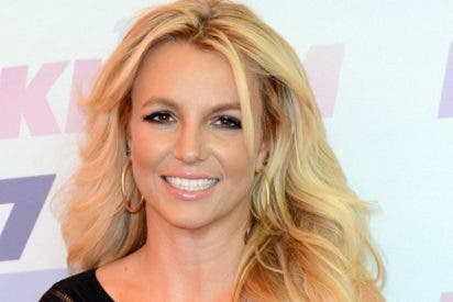 Oops!... she did it again: El sensual vídeo Britney Spears haciendo yoga en bikini para presumir de flexibilidad