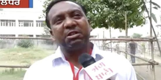 ¡De risa!: Este candidato indio llora en televisión al constatar que tiene menos votos que sus familiares