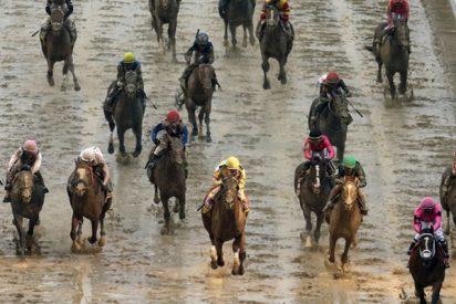 Descalifican por primera vez en la historia a un ganador del Derby de Kentucky por rozar a otro caballo