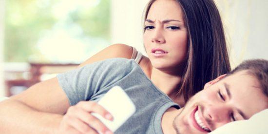 """Una """"pareja ideal"""" termina su relación al descubrir un polémico tweet"""