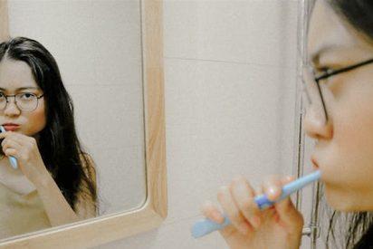 ¿Se cepilla bien los dientes? Cuatro consejos para una salud bucal plena
