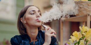 Fumar: El 23% de las españolas de entre 45 y 54 años consumen tabaco a diario
